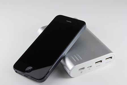 iPhone5を充電