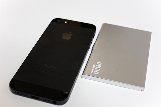 iPhone5とサイズを比較