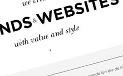 ブラックとホワイトの色を使ったWebサイト
