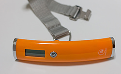 MAQUINOのラゲッジチェッカープラス オレンジ