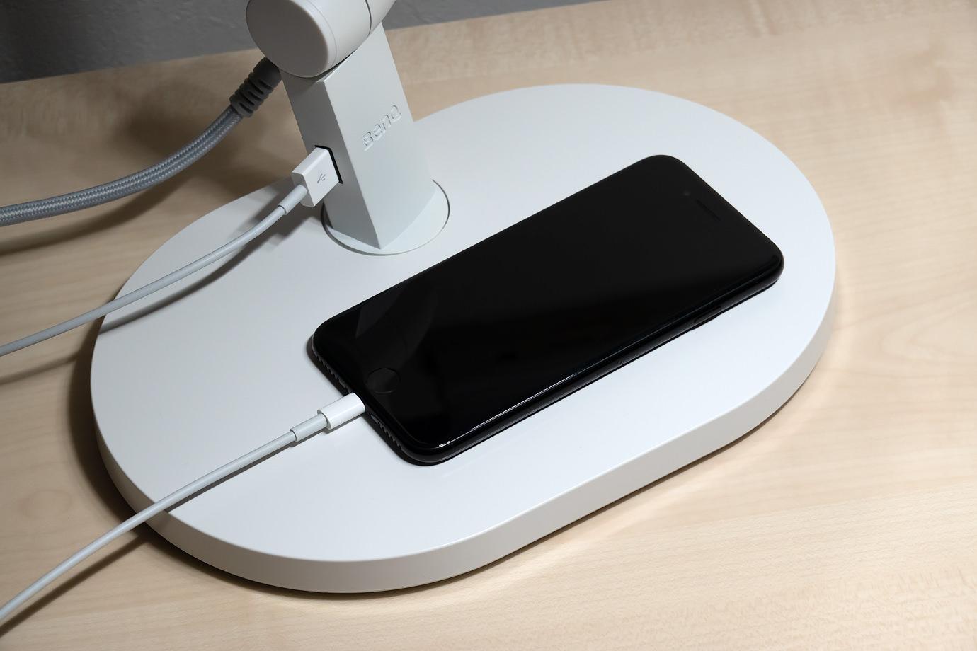 USB Aポートつき
