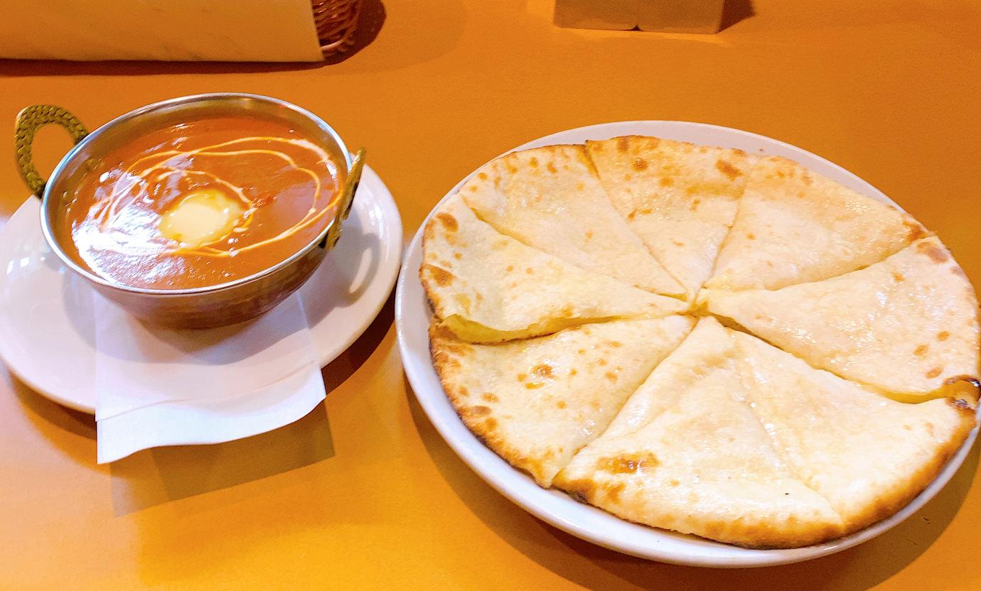 バターチキンカレーとチーズナン