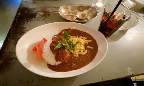 Zarigani Curry 挽肉のカレー ゴーダチーズとピクルスを添えて