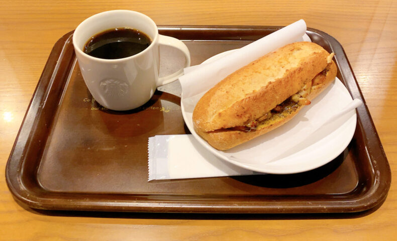 ハーブバターチキン 石窯フィローネとドリップコーヒー