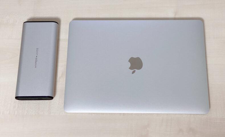 MacBook AirとHyperJuiceのモバイルバッテリー